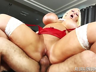 Comme ci nympho pornstar Alura Jenson loves to obtain choked while pounded