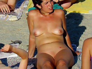 Hot Voyeur Dabbler MILFs - Nudist Seaside Spy Sheet