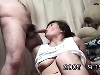 Grown-up Japanese AV Sculpture gives an awesome blowjob