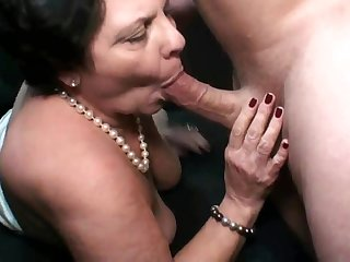 Sexual robbery: Fat old cock starved full-grown gives head for millstone of cum - HQ quality