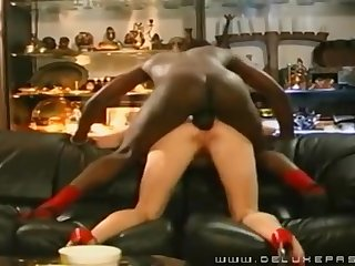Cougar Pounded In The Bootie Wits A Black Guy - Cuckold