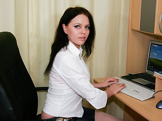 Sex-mad russian MILF wanking in the slot