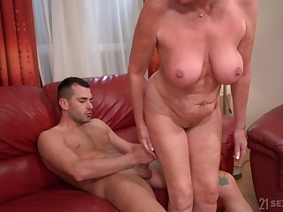Cheating blonde mature wife spreads her legs for a younger dick
