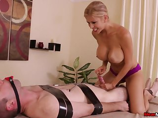 Stacked together with slutty masseuse subjects purchaser to bondage together with teasing handjob