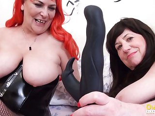 OldNannY Two British Mature Lesbians Gather up