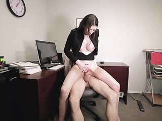 Office wage-earner Angelina Diamanti gets it on with their way hung king
