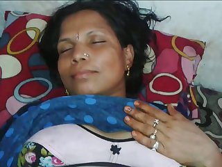 Mature wrinkled Indian wife deserves some good missionary have sex