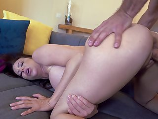 Energized amateur mature bends ass for the ultimate hardcore